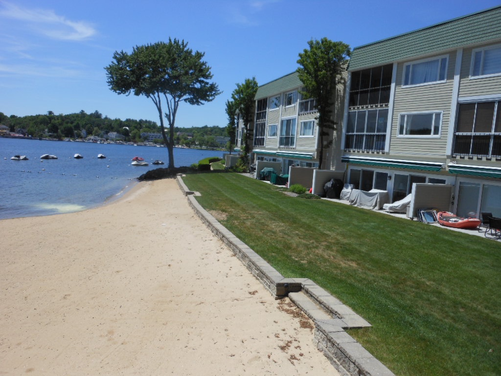 DES23B - Waterfront Condo Steps from Meredith Bay