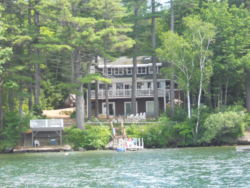 JOH14WF - Pet Friendly Waterfront on Lake Winni