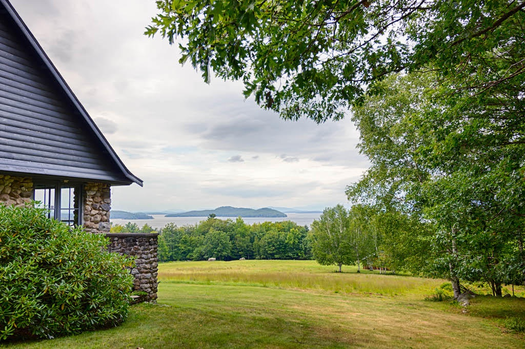 SEE174W - Majestic Lake Winnipesaukee Estate