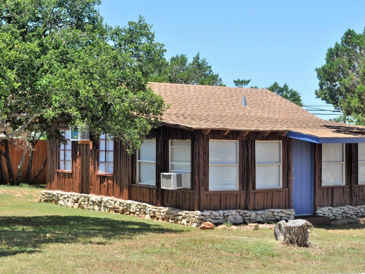 Cabin 33 Vacation Rental In Buchanan Dam Tx Cedar