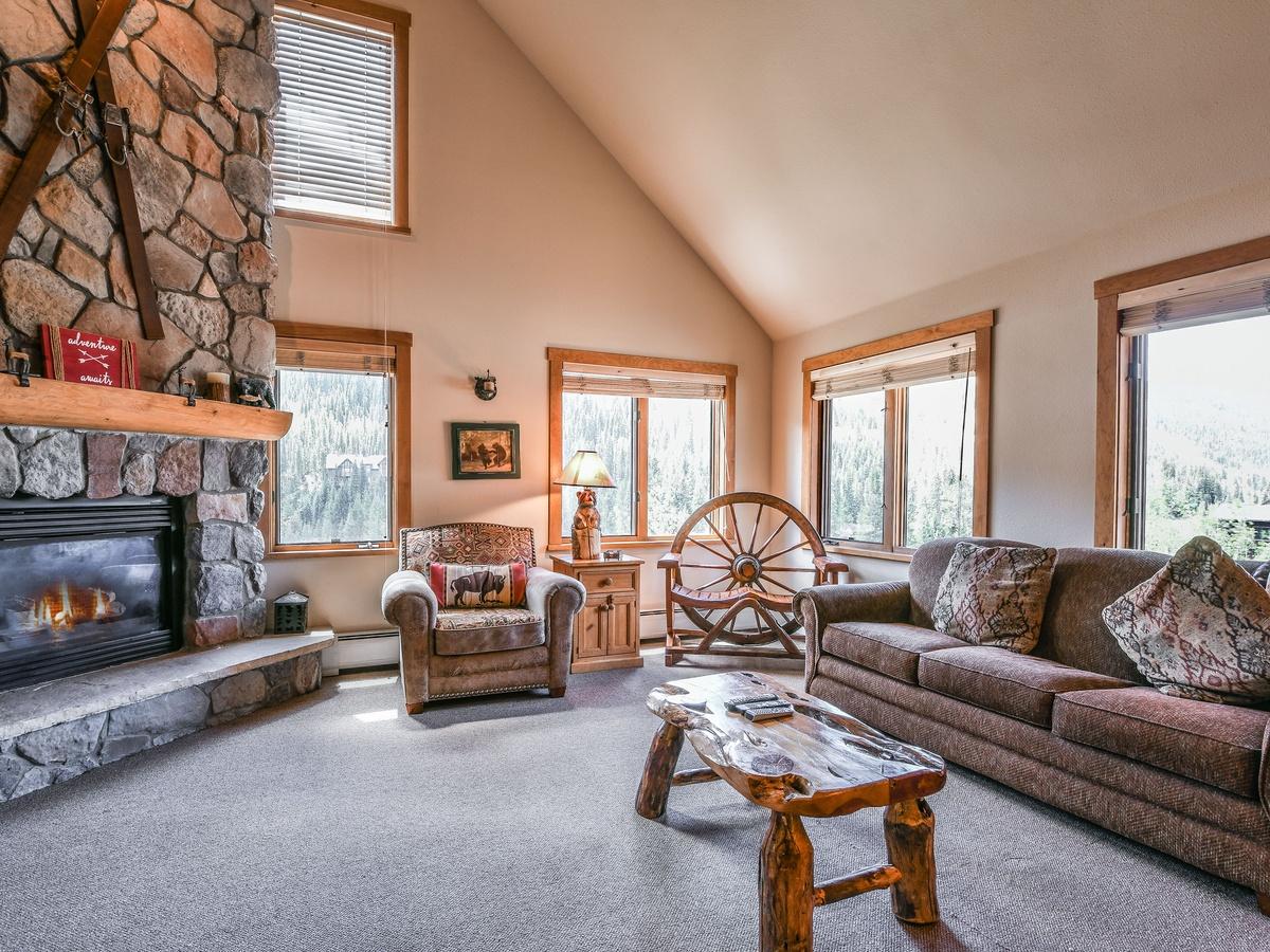Arapahoe Lodge 8132