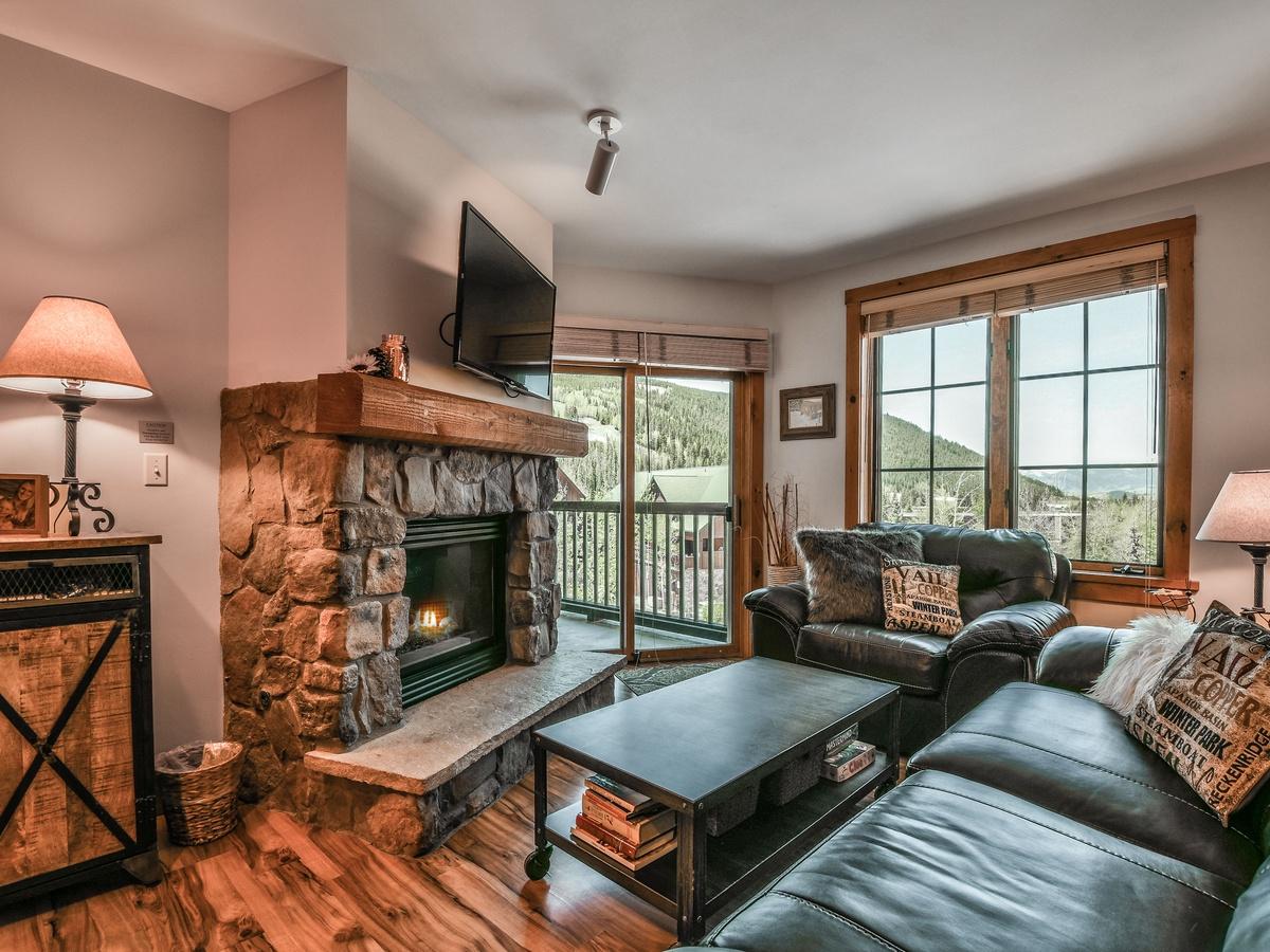 Dakota Lodge 8501