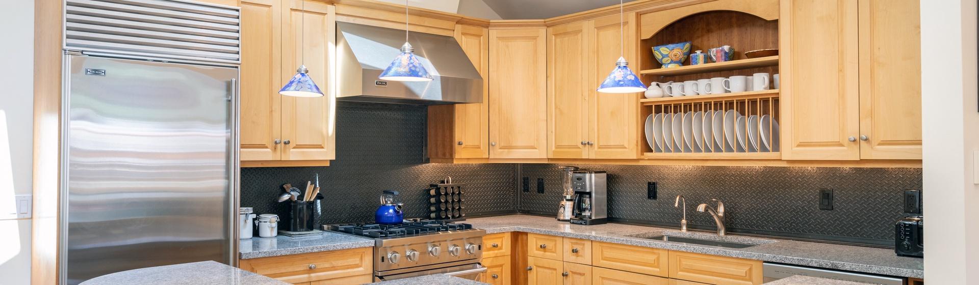 3-Telluride-Pine-Street-Penthouse-A-Kitchen