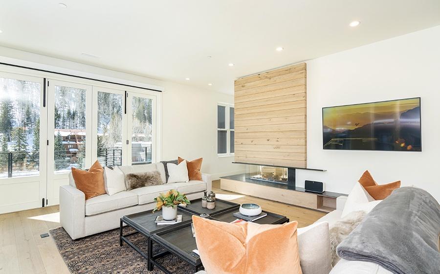 4-Telluride-Transfer-Penthouse-Living-Room