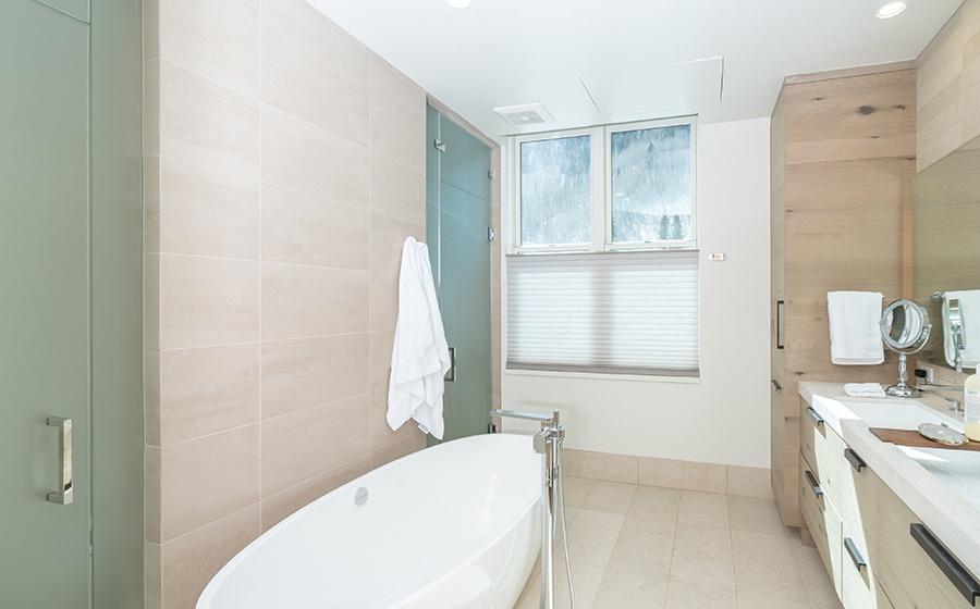 9-Telluride-Transfer-penthouse-Master-Bathroom
