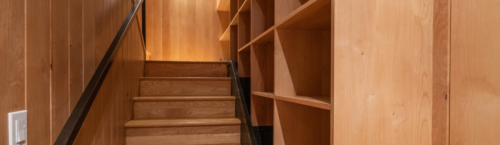 9.9-Telluride.Pine-Street-Penthouse-A-Staircase