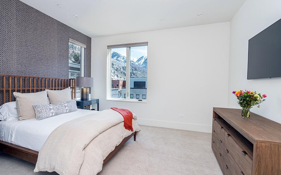 11-Telluride-Transfer-Penthouse-Guest-Bedroom-1