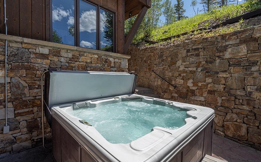 38-Mountain-Village-Birch-Cassidy-Hot-Tub