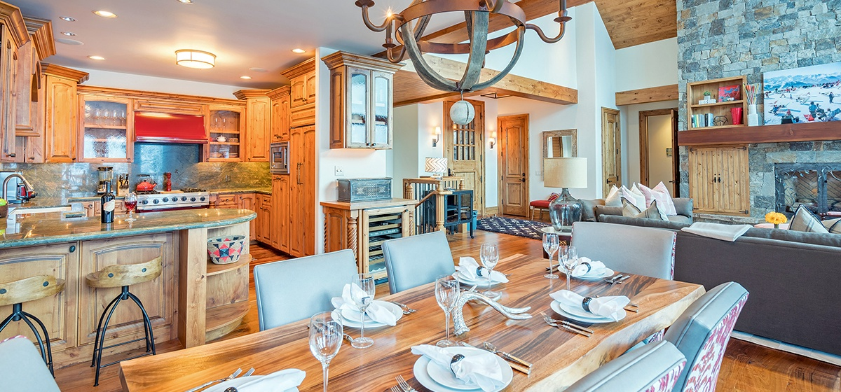 5-Telluride-View-at-Telemark-Dining-to-Living