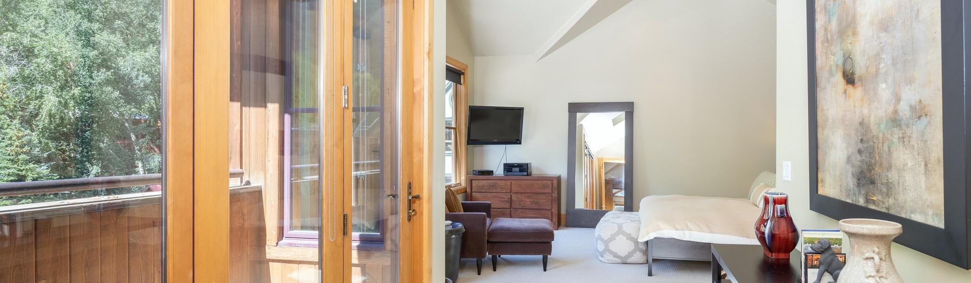 9.2-Telluride-Pine-Street-Penthouse-Secondary-Suite