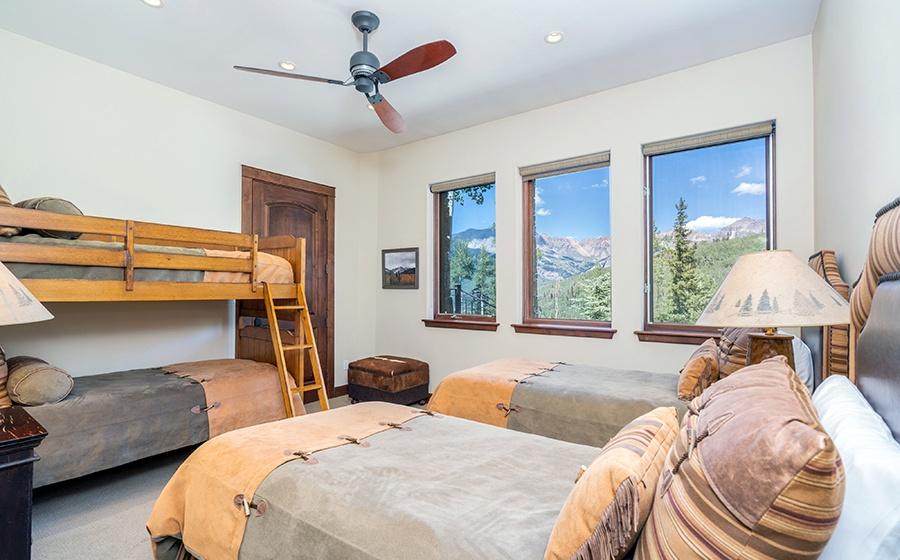 27-Mountain-Village-Birch-Cassidy-Bunk-Room