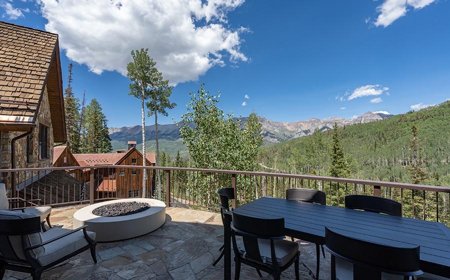13-Mountain-Village-Outdoor-Deck-Fire-Pit