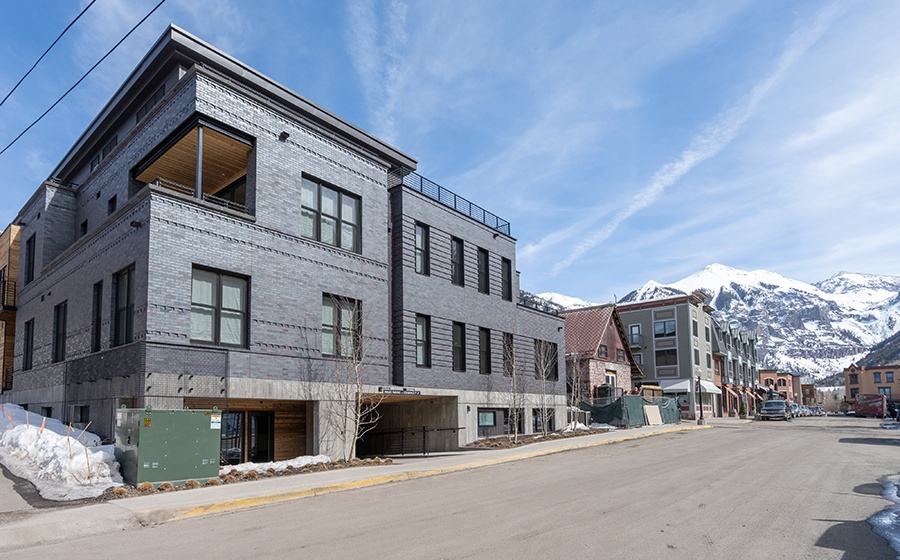 31-Telluride-Transfer-Penthouse-Exterior-Street-View