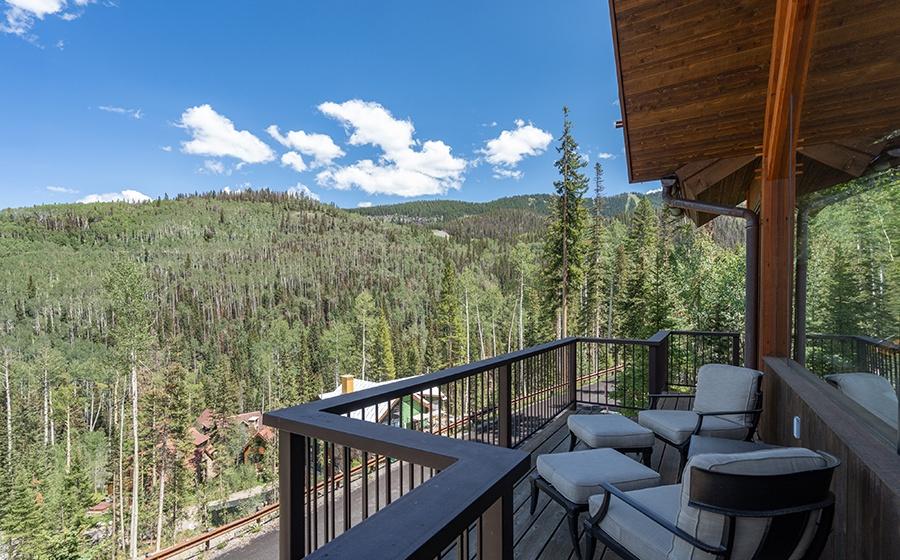 19-Mountain-Village-Birch-Cassidy-Primary-Deck