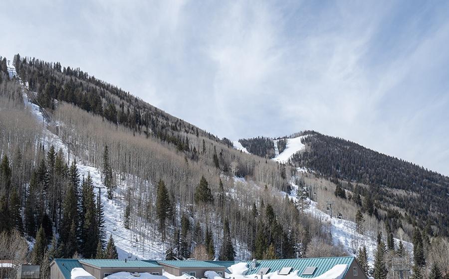30-Telluride-Transfer-Penthouse-Exterior-Ski-Slopes