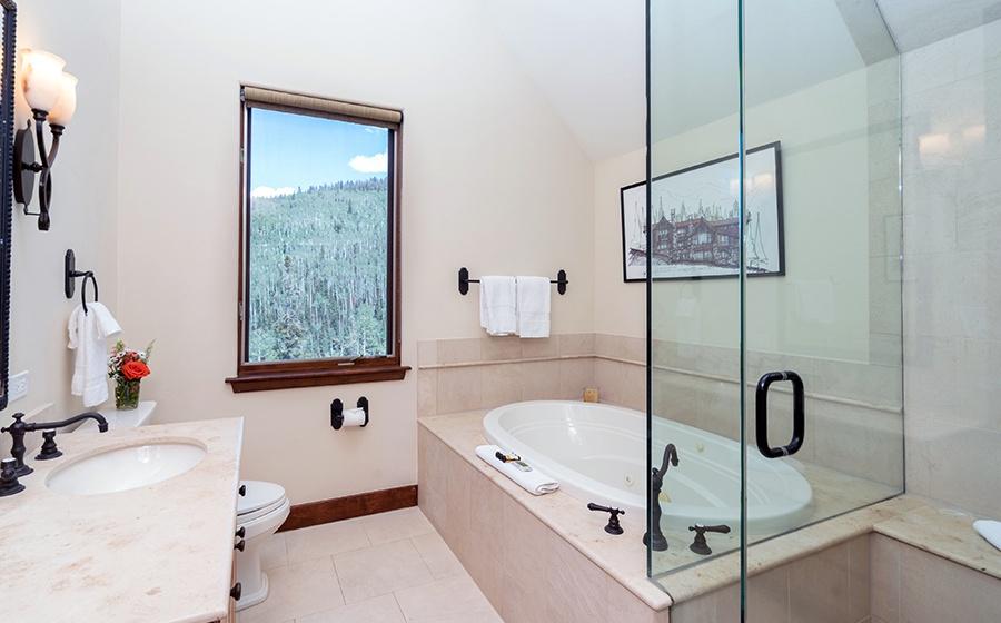 22-Mountain-Village-Birch-Cassidy-Guest-Bathroom-1