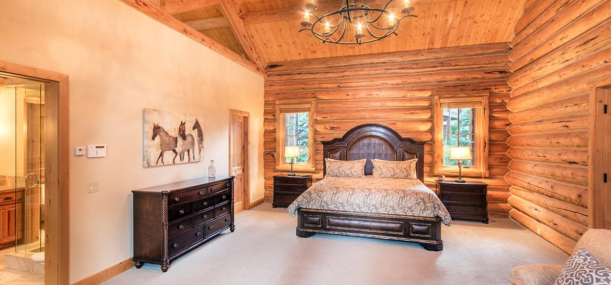 12-Telluride-Palmyra-Pines-Master-Bedroom