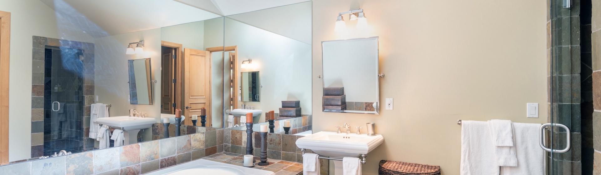 9.3-Telluride-Pine-Street-Penthouse-A-Secondary-bathroom