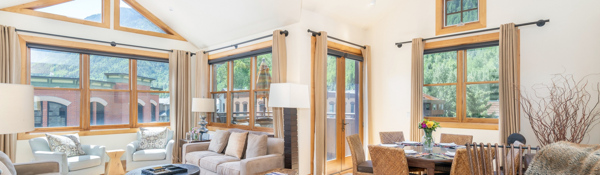 2-Telluride-Pine-Street-Penthouse-A-Living-to-Dining
