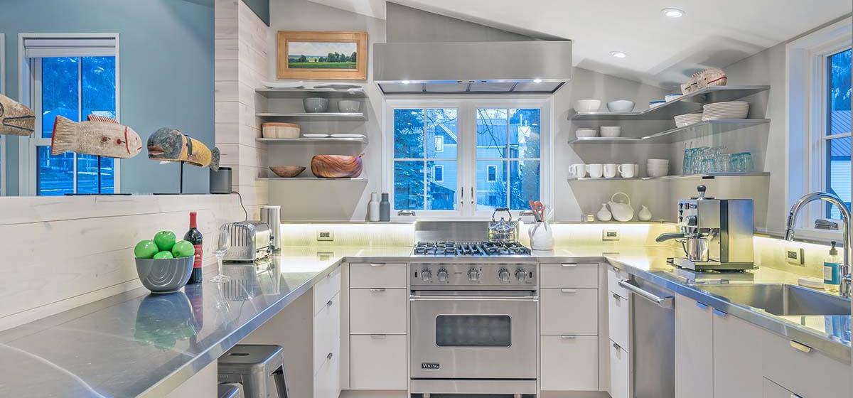 8-Telluride-LibertyBellHaus-Kitchen-V12.jpg