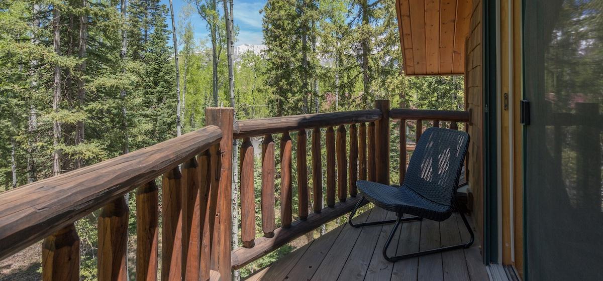 8.05-mountain-village-mountain-melody-studio-apartment-private-deck-V12.jpg