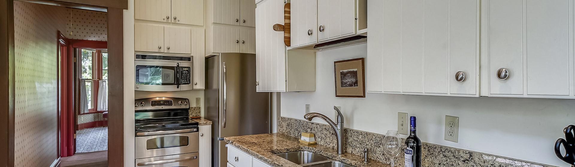 2.07-telluride-summer-haus-Interior-Kitchen-web.jpg