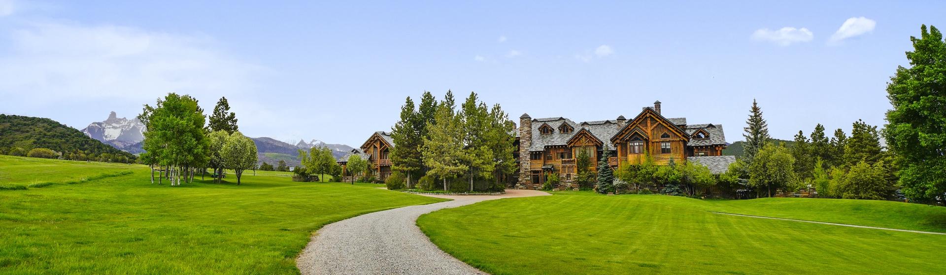 13.6-Telluride-Sleeping-Indian-Ranch-exterior-main-2-web.JPG