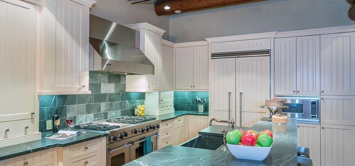 3-Telluride-ProspectFalls-Kitchen.jpg
