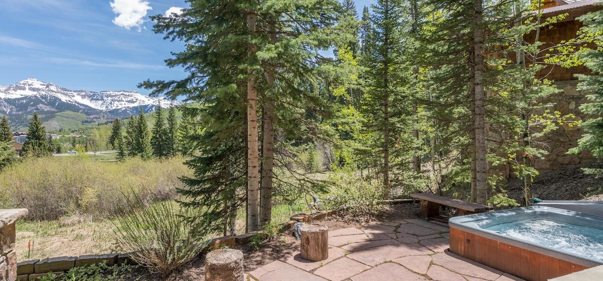 7.06-mountain-village-mountain-melody-patio-V12.jpg