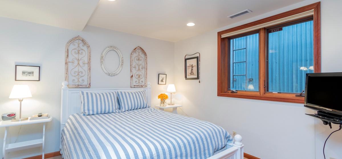 11-Telluride-PacificStreetTownHouse2-MasterBedroom2LR-V12.JPG