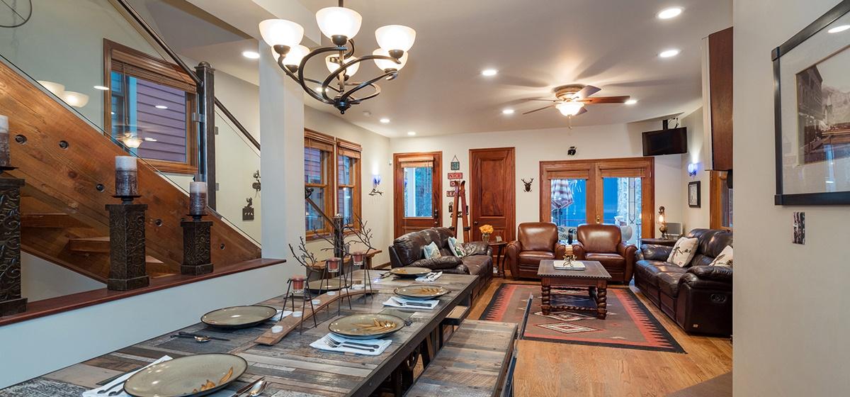 6-Telluride-Columbine-House-Dining-Room-Reverse-v12.jpg