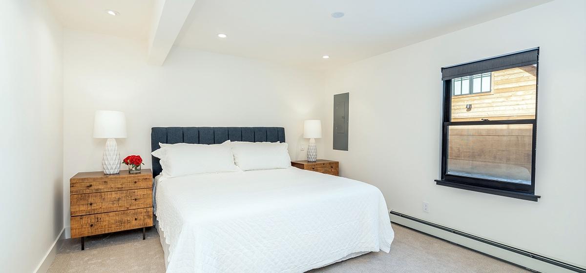 16-Telluride-Telluride_s-Peak-Downstairs-Master-Bedroom-LR.jpg