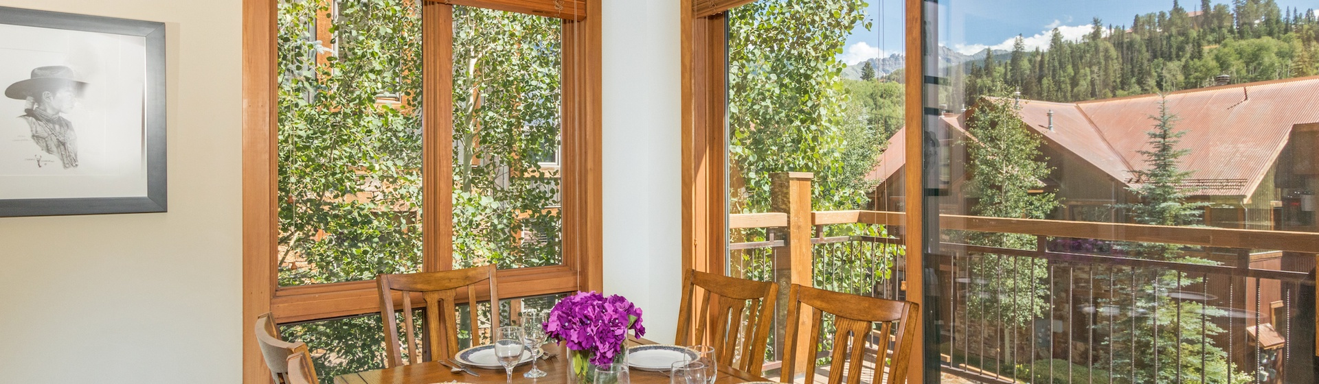 3-Telluride-Terraces-402-Dining-Area.JPG