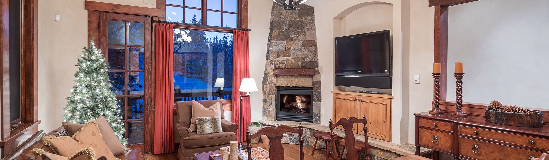 58-Telluride-Autumn-Ridge-Sitting-Room.JPG