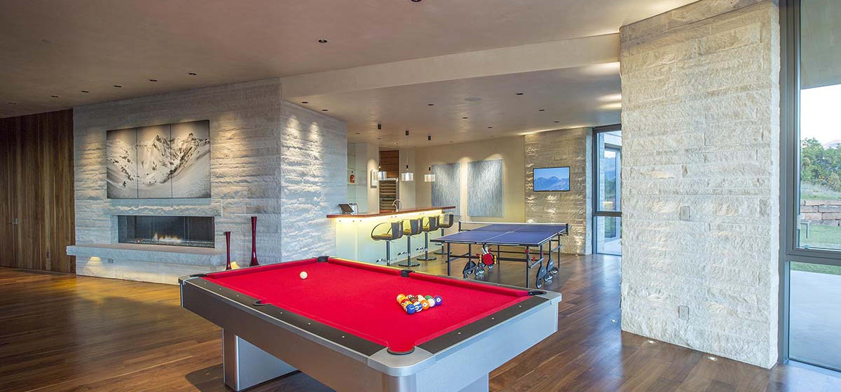 63-RemoteTelluride-SunsetRidge-GameRoom.jpg