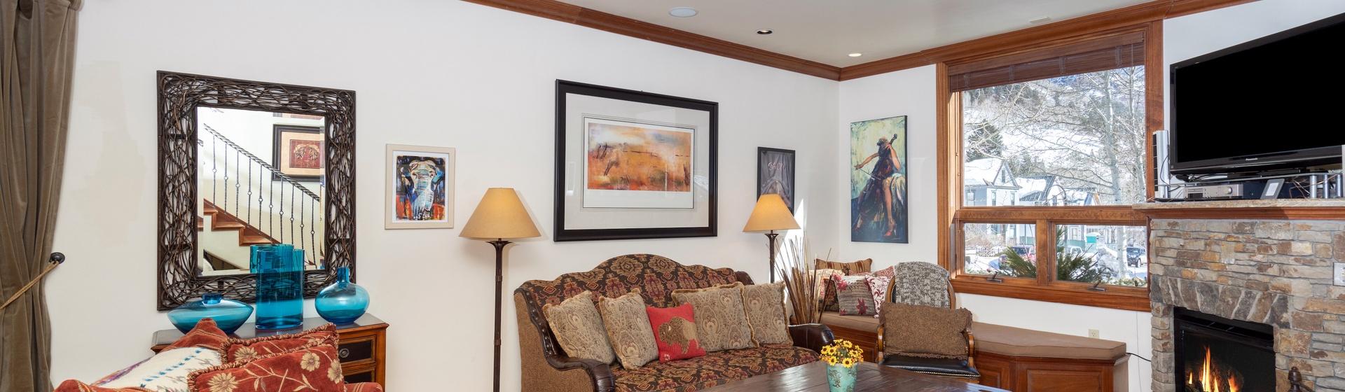 1.02-telluride-tres-casas-B-living-room-web.jpg