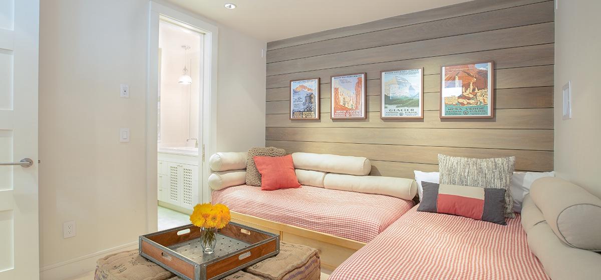 19-Telluride-Meribel-Penthouse-Flex-Room-Angle-v12.jpg