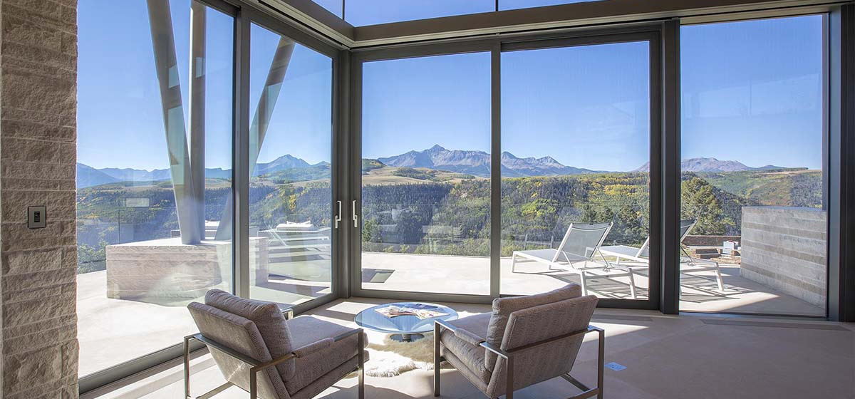 36-RemoteTelluride-SunsetRidge-DeckView.jpg