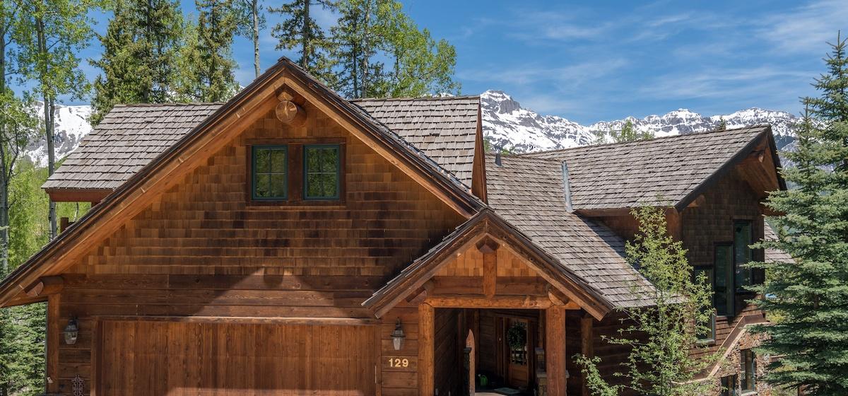 1.01-mountain-village-mountain-melody-main-house-exterior-front-V12.jpg