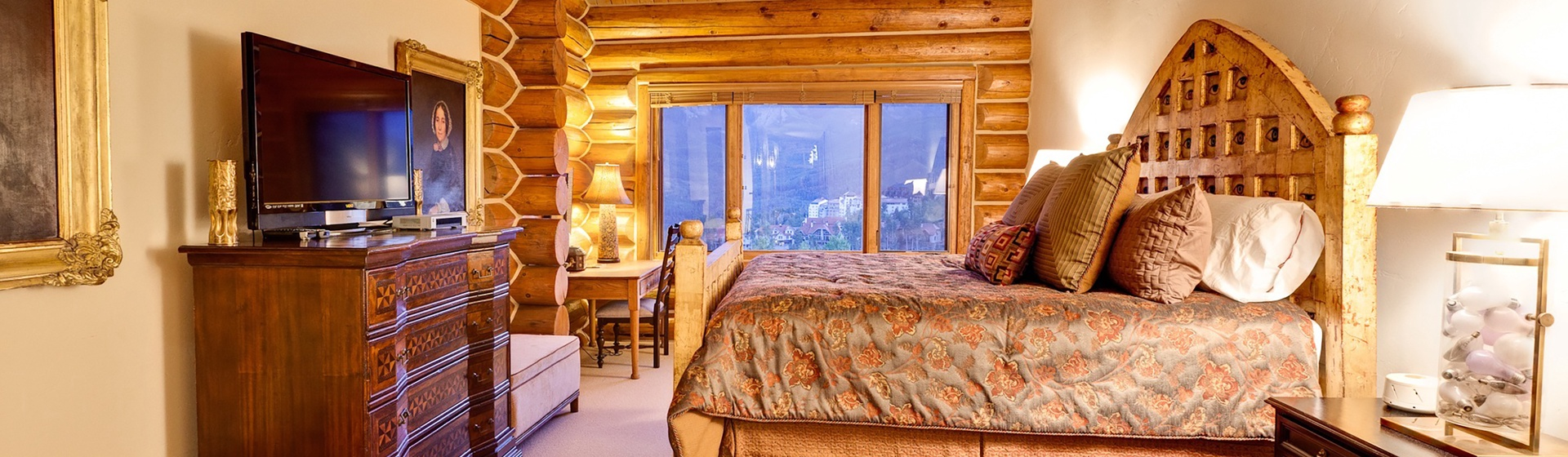 9-MountainVillage-Tristant115-MasterBedroom-WEB.jpg