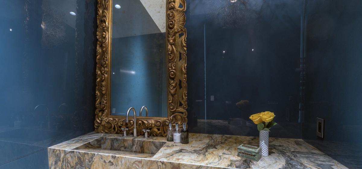 3.01-telluride-mountain-masterpiece-half-bathroom-V12.jpg