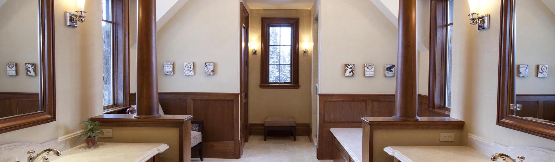 5.06-mountain-village-hood-park-master-bedroom-a-bathroom-3-track.jpg
