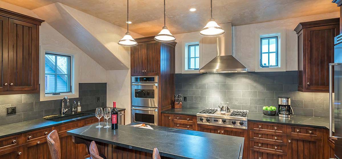 16-Telluride-HavenOnSouthOak-Kitchen-V12.jpg