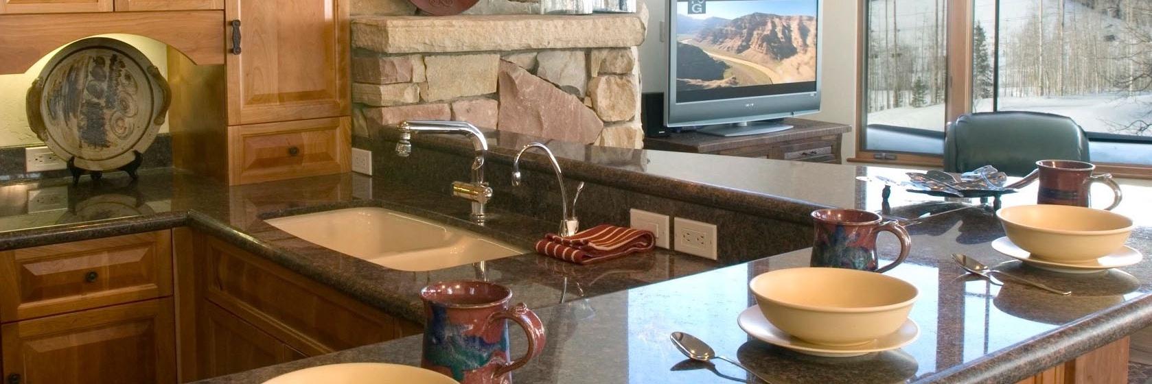 7-MountainVillage-PineMeadows138-Kitchen2-V12.jpg