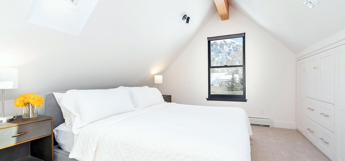13-Telluride-Telluride_s-Peak-Upstairs-Master-LR.jpg