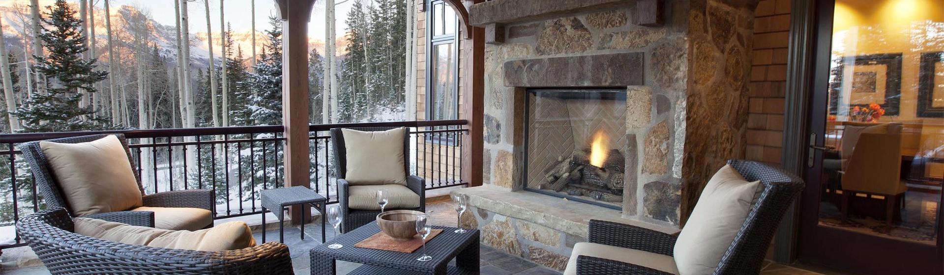 7.01-mountain-village-hood-park-manor-outdoor-fireplace-lounge-track.jpg