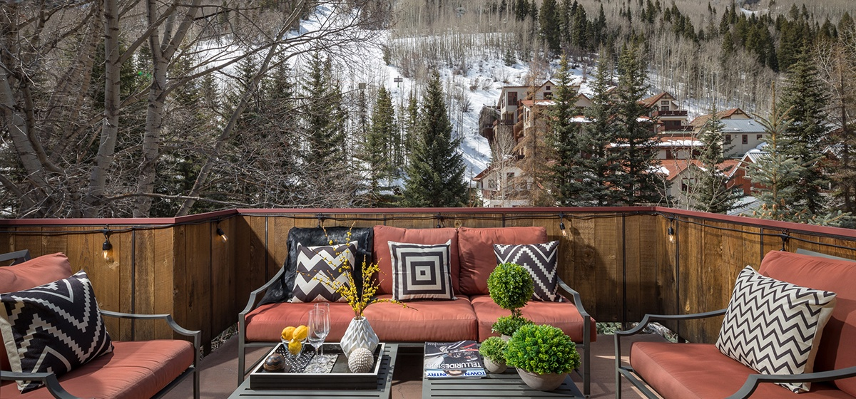 18-Telluride-River-Bliss-Master-Patio-v12.jpg