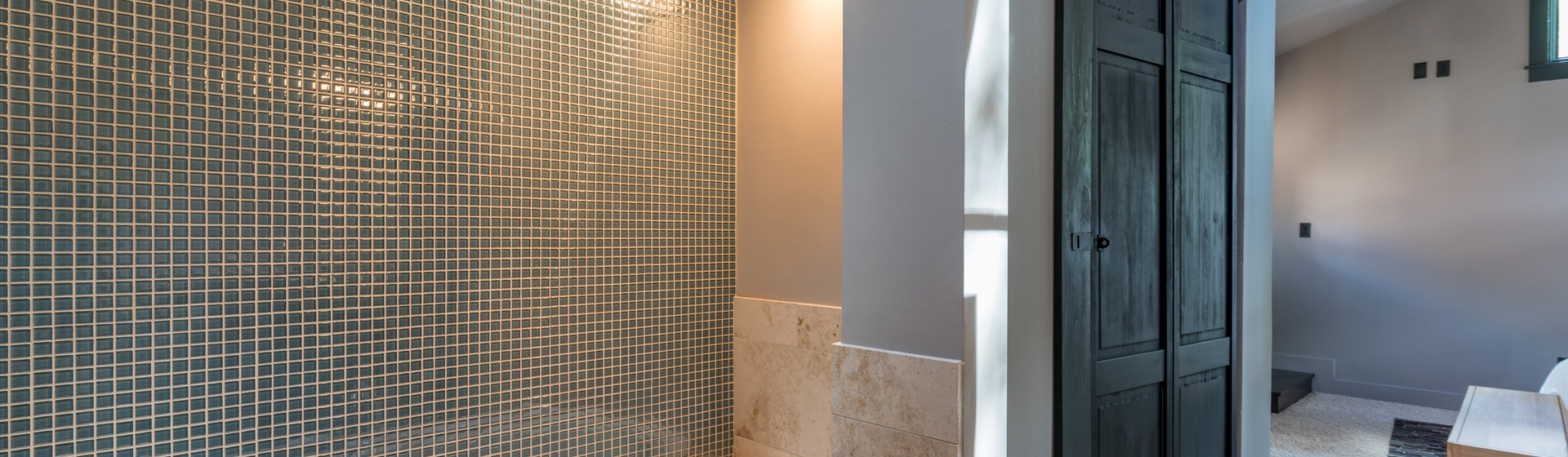 7-Telluride-Town-Jewel-Master-Bath-Tub.JPG