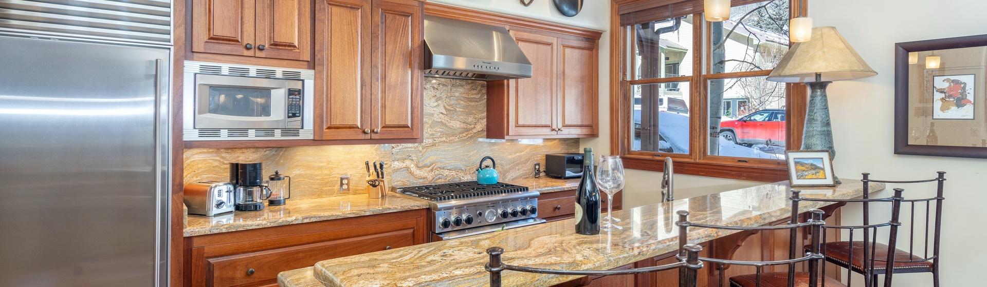 1.05-telluride-tres-casas-B-kitchen-web.jpg