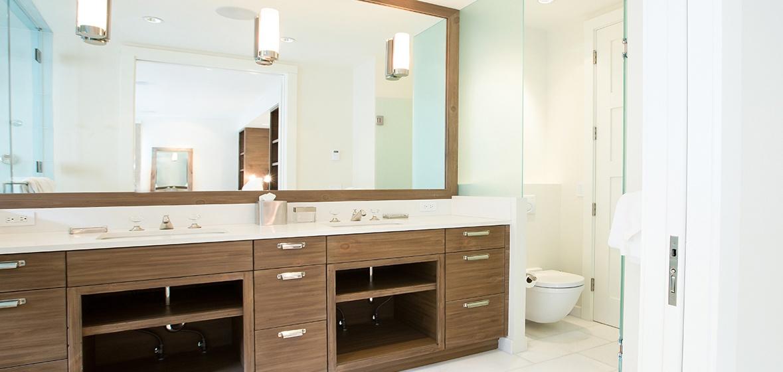 16-Telluride-Meribel-Penthouse-Master-Bathroom-v12.jpg